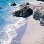 Costa del Sol: Las playas y calas más importantes de Málaga y de la costa mediterránea de Cádiz