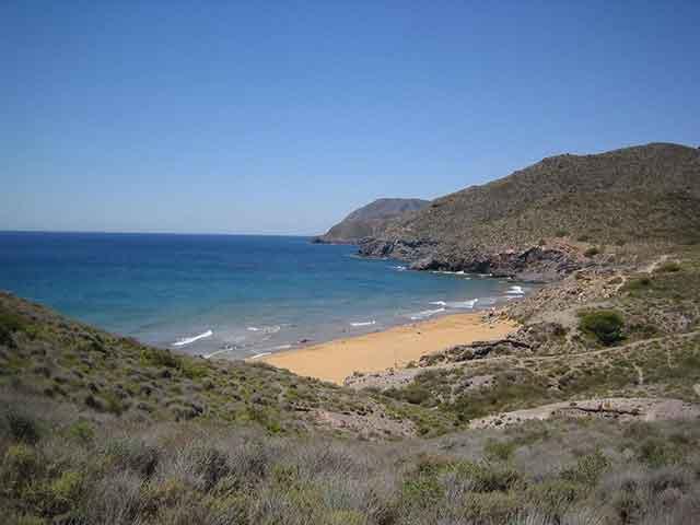 Fin de semana en Calblanque: Naturaleza, historia y playas para escaparse en Murcia