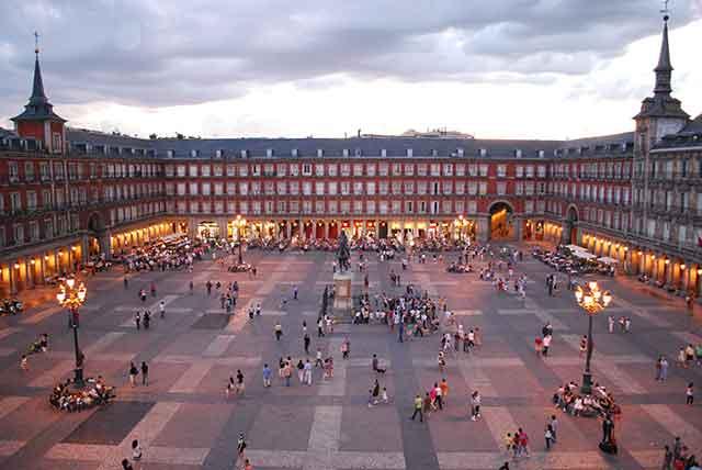 Escapadas Madrid | Vuelos y alojamientos para viajar barato