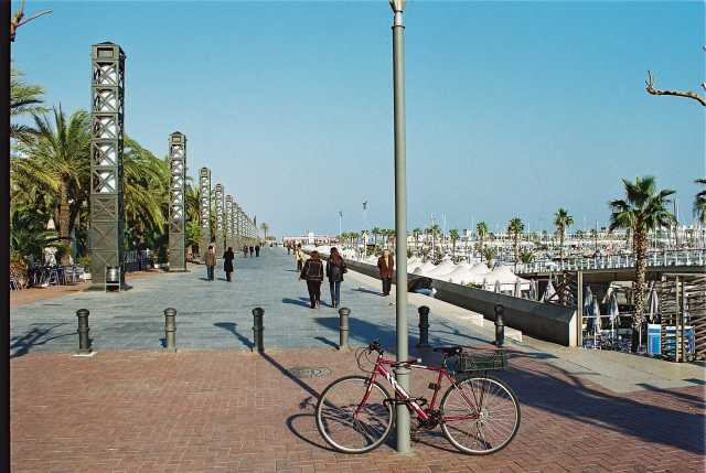 Port Olímpic, el barrio playero de Barcelona