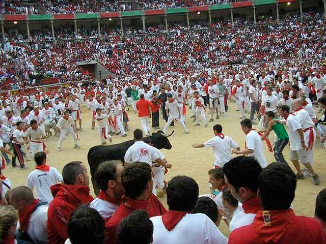 Escapadas a los Sanfermines: Tradición, juerga y diversión en Pamplona