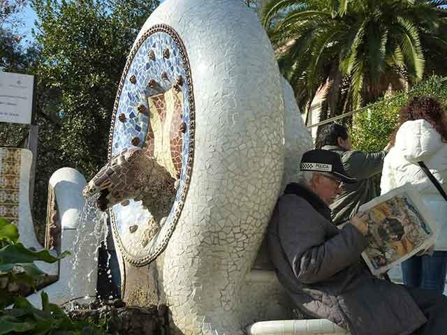 Visita al Parque Güell de Barcelona: modernismo, tradición e imaginación