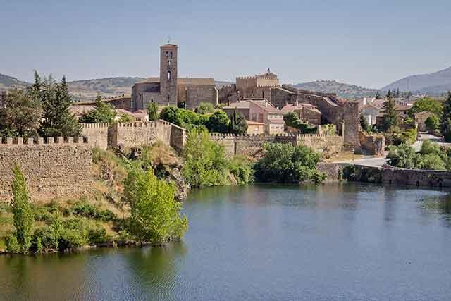 Buitrago del Lozoya. Madrid. Preciosa villa amurallada en un entorno ideal