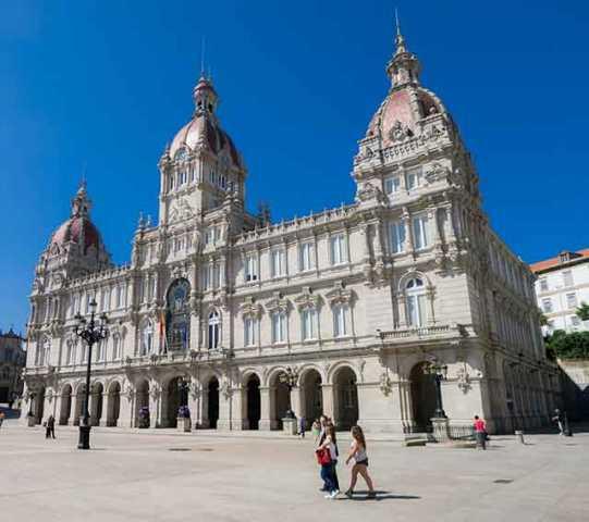 A Coruña de fin de semana | Playas, gastronomía, cultura y mucho más