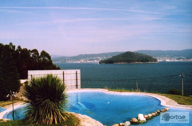 Isla de Poio, vacaciones de verano en las Rías Baixas (Galicia).