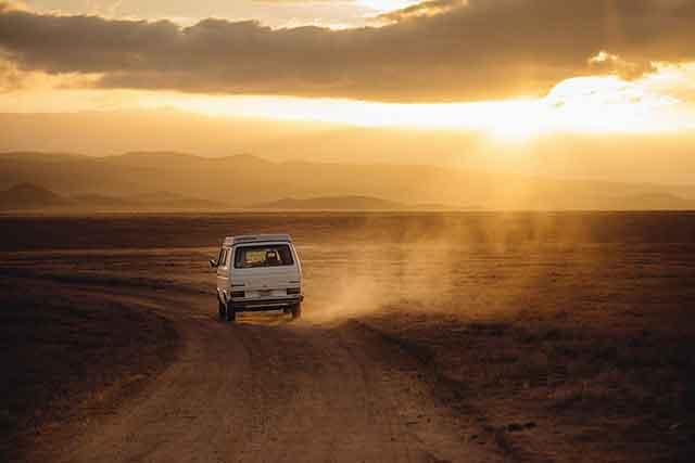Consejos para viajar seguros: Accidentes por neumáticos en mal estado