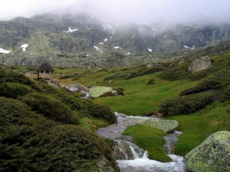 Escapada rural a Rascafría: patrimonio, naturaleza y esquí