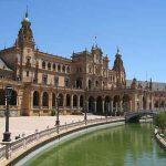 Conocer Sevilla durante una escapada de primavera ya es un chollo para los sentidos