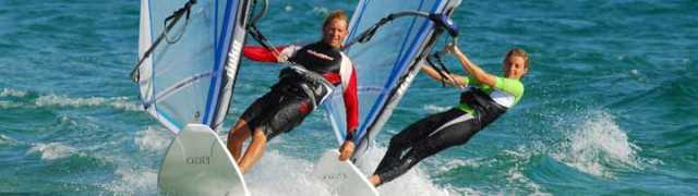 Mejores playas de España y Portugal para hacer surf, windsurf y otras modalidades