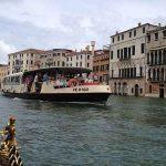 El transporte público en Venecia. El vaporetto, los traghettos, las góndolas y los taxis acuáticos