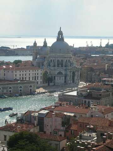 Escapada romántica a Venecia: monumentos más interesantes y alojamientos baratos