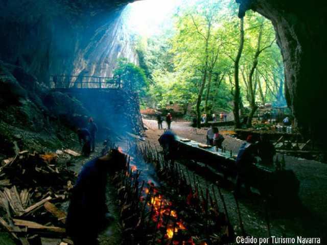 Akelarres en Navarra. Rutas mágicas de brujería en los Pirineos